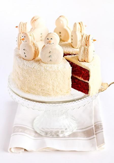 snowman-macaron-white-cake
